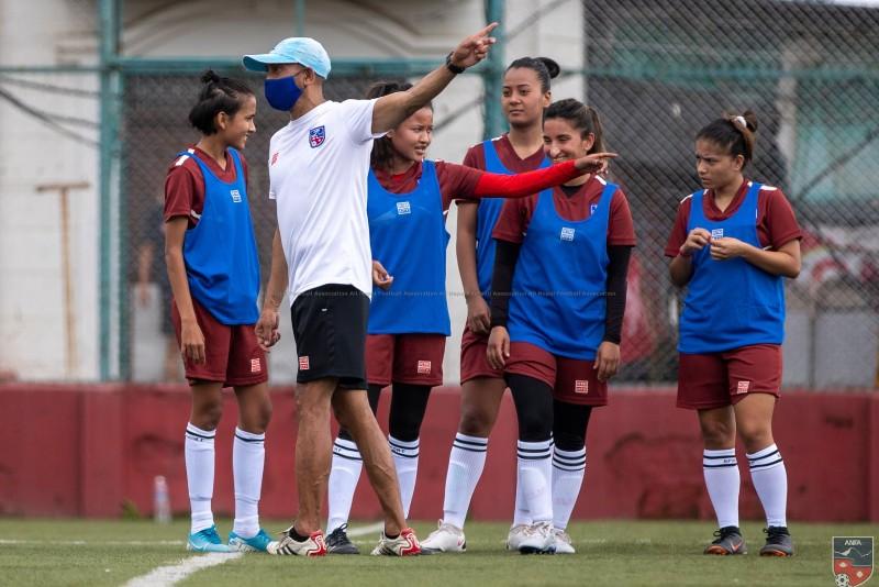 महिला फुटबल टोलीको बन्द प्रशिक्षण शुरु